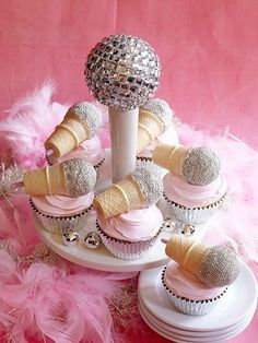 How about a little break from all the holiday stuff? Learn how to make these utterly fab-u-lous and sparkly microphone cupcakes HERE at iVillage, adapted from What's New Cupcake?. {spotted b…