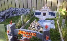 Mini Jurassic Park for your Pet Tortoise Tortoise House, Tortoise Habitat, Tortoise Table, Turtle Habitat, Tortoise Enclosure, Reptile Enclosure, Turtle Enclosure, Jurassic Park, Turtle Terrarium