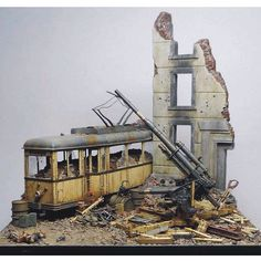 War Diorama Part1 Unknown modeler From: Plastic Model World #scalemodel #plastimodelismo #miniatura #miniature #miniatur #hobby #diorama #humvee #scalemodelkit #plastickits #usinadoskits #udk #maqueta #maquette #modelismo #modelism