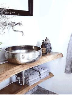 7 design features of the perfect Nordic rustic cottage. Touring a beautiful little home in Denmark for some great design and decor ideas.