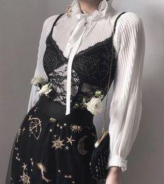 Aesthetic Fashion, Look Fashion, Aesthetic Clothes, Korean Fashion, High Fashion, Womens Fashion, Fashion Design, Aesthetic Grunge, Fashion Fashion