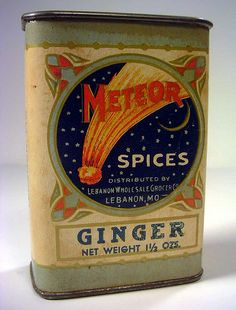 Vintage Labels vintage spice tin - I don't collect spice tins, but I've kept this one in my collection because it has some of the best graphics I've seen. Pyrex Vintage, Vintage Tins, Vintage Labels, Vintage Kitchen, Vintage Antiques, Retro Vintage, Vintage Picnic, Vintage Space, Unique Vintage