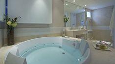 Veja exemplos de como é possível ter uma banheira seja qual for seu espaço e estilo de decoração.