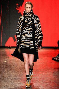 Pasarela DKNY Nueva York Otoño - Invierno 2014
