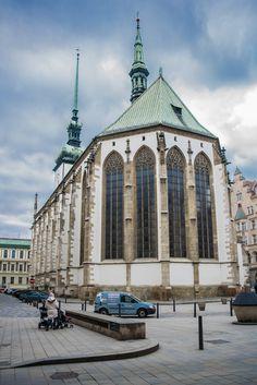Kostel svatého Jakuba Brno Voyage Europe, European Countries, Burj Khalifa, Czech Republic, Prague, Castle, God, Explore, Landscape