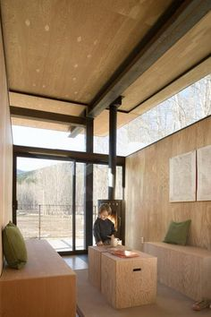 Rolling Huts/OSKA Architects What a lovely living space! Location: Mazama, Washington, USA Lead Architect: Tom Kundig, FAIA Date of Completion: 2008 Size: 440 sf/per hut sf interior space, 240 sf exterior deck) Plywood Interior, Plywood Walls, Plywood Ceiling, Plywood Boxes, Interior Architecture, Interior And Exterior, Estilo Interior, Tiny Cabins, Modern Cabins