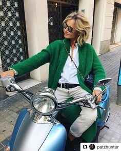 We don't like it, we LOVE it!! @patzhunter looking gorgeous in green  Bring colour to your outfits with our  Mohair pieces  #anauveknitwear