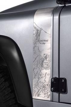 Land Rover dévoile le 'Defender 2.000.000' - via Jaguar Land Rover Fréjus www.jaguarlandrover-cotedazur.com