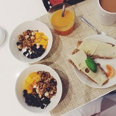 A pic taken earlier this morning I love eating quark with my homemade granola and fruit. Too bad my tummy can't handle it still eating it tho.. But I just wanted to wish u all a happy evening and remember to enjoy your Christmas holiday Lots of love #fitbyheart #Padgram