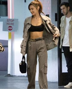 """""""bella hadid looks i want to steal — a thread"""" Looks Street Style, Model Street Style, Looks Style, Mode Outfits, Trendy Outfits, Summer Outfits, Fashion Outfits, Bella Hadid Outfits, Bella Hadid Style"""