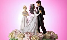 Pre-nuptial agreements 'should be legally binding in divorce cases'