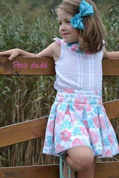 PetitDudu, ropa, sacos y complementos de bebé: BLUSA Y FALDA ESTAMPADA PARA NIÑA