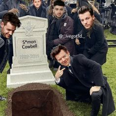 One Direction Jokes, Four One Direction, Direction Quotes, One Direction Pictures, Harry Styles Memes, Harry Styles Photos, Haha Funny, Funny Memes, Desenhos One Direction