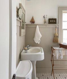 Bathroom Inspiration, Home Decor Inspiration, Bathroom Inspo, Bathroom Ideas, Modern Farmhouse Bathroom, Bathroom Renos, Bathrooms, Traditional Bedroom, Cottage Homes