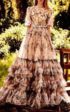 Get inspired and discover Costarellos trunkshow! Shop the latest Costarellos collection at Moda Operandi. Elegant Dresses, Pretty Dresses, Beautiful Dresses, Evening Dresses, Prom Dresses, Dresses Art, Wedding Dresses, Mode Boho, Dream Dress