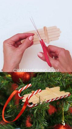 Christmas Crafts For Adults, Kids Christmas Ornaments, Homemade Christmas Decorations, Xmas Crafts, Craft Stick Crafts, Christmas Diy, Homemade Christmas Tree Decorations, Popsicle Stick Crafts For Adults, Homemade Xmas Gifts