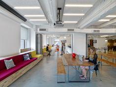 L'équipe new-yorkaise de Linkedin a récemment déménagé dans de nouveaux locaux situés au 22ème étage de l'Empire State Building. L'agenceM Moser Associates a été chargée de faire apparaitre la culture et les valeurs de la société dans les bureaux, dans le but d'att