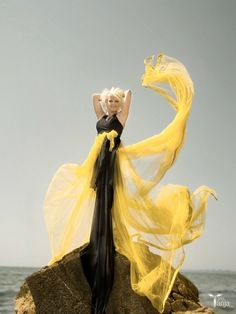 Beauty in Disarray: I just love how the fabric moves! Mellow Yellow, Black N Yellow, Color Yellow, Colour, Glamorous Evening Gowns, Let It Flow, Flowing Dresses, Fantasy Dress, Dress Me Up