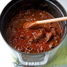 """Gutes Gulasch kochen zu können, ist eine Kunst! Ein Rezept aus Susanne Zimmels """"Wiener Küche"""""""