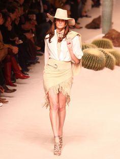 Stephanie Seymour http://www.vogue.fr/mode/mannequins/diaporama/les-mannequins-du-numero-de-novembre-2012-de-vogue-paris/10440/image/641607