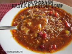 Olive Garden Pasta E Fagioli Soup {and it's made in the Crock Pot - yummy!}