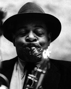 """Coleman Randolph Hawkins, nicknamed Hawk and sometimes """"Bean"""", was an American jazz tenor saxophonist. He was one of the first prominent jazz musicians on his instrument. Jazz Artists, Jazz Musicians, Soul Music, Sound Of Music, Jazz Saxophone, Tenor Sax, Coleman Hawkins, Jazz Players, Art Ancien"""