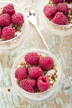 Vanilla Raspberry Overnight Oats- once soaked overnight, the oats are ready to eat at anytime! Eat them cold or heat them up, they are the perfect on-the-go meal. Diabetic Breakfast, Diabetic Snacks, Healthy Snacks For Diabetics, Breakfast Recipes, Healthy Food, Breakfast Ideas, Morning Breakfast, Breakfast Dishes, Vegan Breakfast