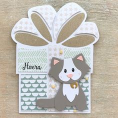 LindaCrea: Cadeau #1 - Katje Marianne Design Cards, Felt Pillow, Dog Cards, Shaped Cards, Small Cards, Die Cut Cards, Stencil Designs, I Card, Birthday Cards