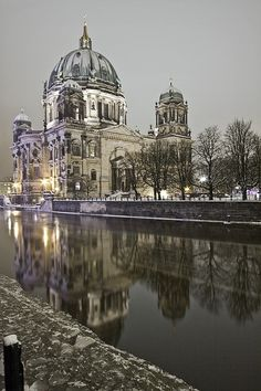 Night in Berlin, Germany | Wonderful Places http://sfmmarketer.com. I was in Berlin last March, Germany is a wonderful destination.