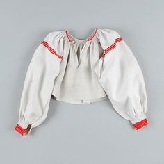 "Koszula kobieca - Etnodizajn ""Wzornik"" / ENG: www.etnodizajn.pl... #etno #folk #inspirations"