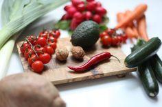 Gibt es wirklich Lebensmittel, die dein Fett zum schmelzen bringen? Wir sind den Fettkiller-Lebensmitteln auf den Grund gegangen.