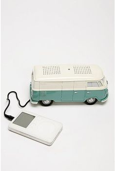 VW Bus Speaker - OMG I would love this!