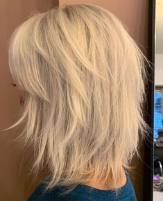 Hairstyles Videos Mid-Length Shag With Wispy Layers.Hairstyles Videos Mid-Length Shag With Wispy Layers Medium Layered Hair, Medium Hair Cuts, Short Hair Cuts, Medium Hair Styles, Curly Hair Styles, Long Layered, Mid Length Blonde, Mid Length Hair With Layers, Angled Bangs
