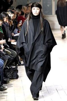 Limi Feu 2011.... WANT that coat!!