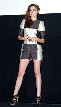 Kristen Stewart en un look de Louis Vuitton SS 13 durante la presentación de 'The Twilight Saga: Breaking Dawn Part 2' en Tokyo, Japón.