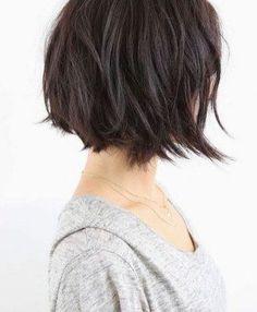 Mit Pony oder ohne? Lang oder kurz? Glatt oder gelockt? Die Auswahl an Frisuren ist riesig. Kein Wunder, dass wir oft nicht wissen, was wir mit unseren Haaren machen sollen...