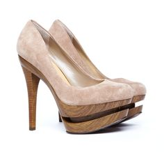 I have never seen wooden soles like these. They are so detailed and nice-looking