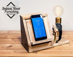 Industrial tubo lámpara con Apple reloj dock cargador y by AmbientWood | Etsy