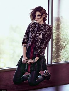Touching upon the topic Kristen, who looked amazing in a skirt, leggings and zebra-print j...