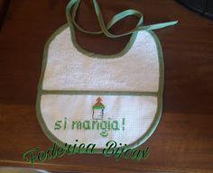 Federica Bijoux : Bavaglino piccolo verde e bianco realizzato a punt...
