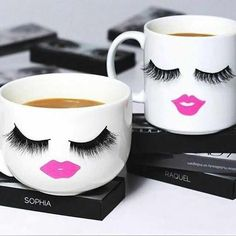 Likes, Comments - Huda Kattan (Huda B. Diy Glitter, Mobile Beauty, Lash Room, Diy Mugs, Cute Cups, Beauty Room, Diy Makeup, Makeup Brush, Mug Cup