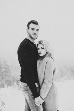 Engagement Pictures - [tps_header]Not a lot of brides choose a winter wedding, but some couples choose winter engagement photos to capture the winter wonderland that awaits them outdoors. Thankfully, even when the weather is frightful, sn. Winter Engagement Photos, Engagement Photo Poses, Engagement Couple, Engagement Shoots, Engagement Photography, Wedding Photography, Fall Engagement, Engagement Ideas, Country Engagement