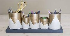 Um objeto útil, reciclado e fácil de fazer, gastando quase nada!!! Veja essa ideia maravilhosa.