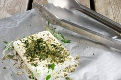 Baked feta cheese on the grill - the simplest & tastiest accessory - Grillen Styla Vegetarian Recipes, Snack Recipes, Grilled Peaches, Tasty, Yummy Food, I Love Food, Summer Recipes, Finger Foods, Feta