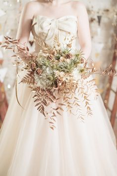Flowers by The Vintage Floral Design Co  Metallic and Geometric wedding inspiration shoot from www.babbphoto.com - mixed metals, geometric shapes and luxe styling against the backdrop of a cool, contemporary warehouse location.