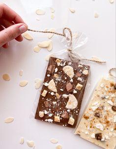Homemade Chocolate Bars, Artisan Chocolate, Raw Chocolate, Chocolate Cupcakes, Chocolate Recipes, Donut Cupcakes, Healthy Vegan Breakfast, Profiteroles, Box Cake