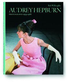 Audrey Hepburn // ✸ ✸ ✸ ✸ Bob Willoughby // fotomagazin.de // Handverlesene Buchtipps aus der fotoMAGAZIN-Redaktion. Von unserem Experten Manfred Zollner.