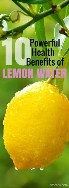 10 Powerful Benefits of Lemon Water | Detox | http://avocadu.com/the-detoxifying-powers-of-lemons/
