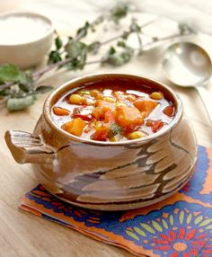 Bridget's Green Kitchen: Sweet Potato Chickpea Soup from Moosewood Restaura. Chickpea Soup, Vegan Soup, Vegetarian, Best Soup Recipes, Sweet Potato Recipes, Growing Bell Peppers, Dish Detergent, Beautiful Soup, A Food