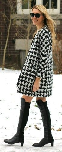 pied de coq & pied de poule Fashion Cover, All Fashion, Womens Fashion, Cold Weather Outfits, Winter Outfits, Houndstooth Coat, Cool Coats, Fashion Themes, Blazers